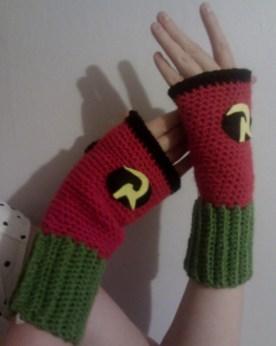 Robin DC gloves!