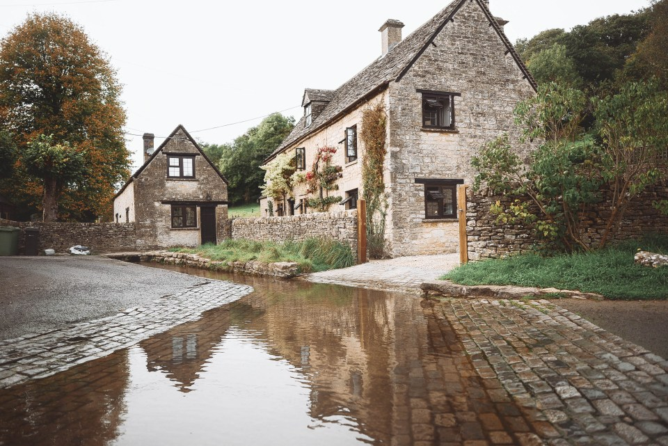 The Cotswolds - Duntisbourne Leer - Ford