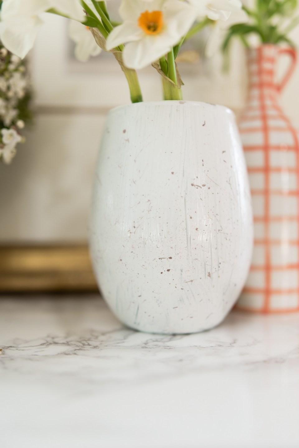 Easter Crafts - DIY Easter Egg Vases