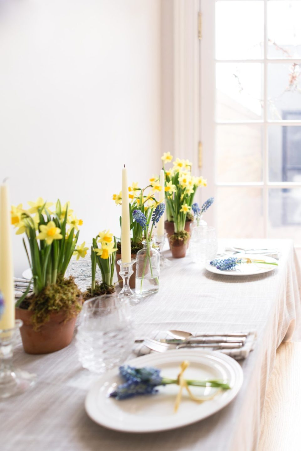 Spring Brunch Table Setting with daffodils
