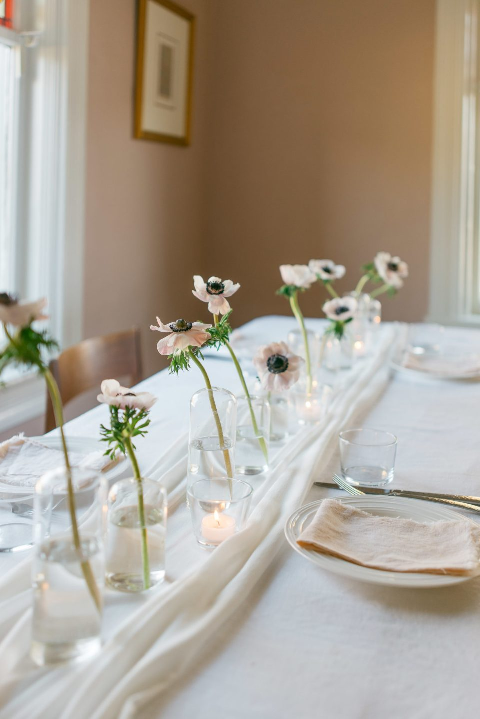 Centrepieces for Rectangular Tables | Wedding Centrepieces | Bud Vases | Anemone