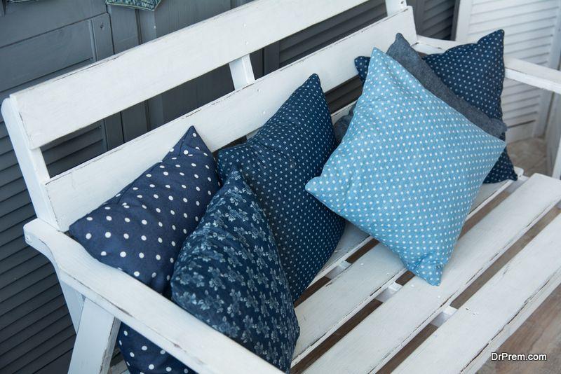 choosing patio furniture