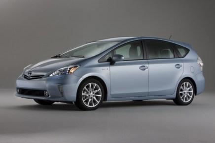 2012-Toyota-Prius-Side-View-5-1024x682
