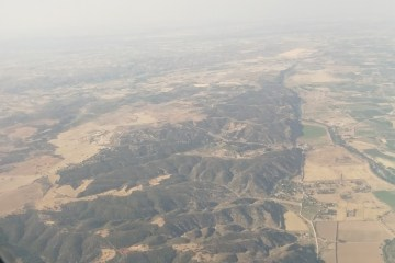 Madrid Experience: the hills of Madrid through the plane window