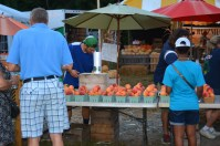 Can't get enough of those summer peaches at the fair. Photo by Mike Hartley