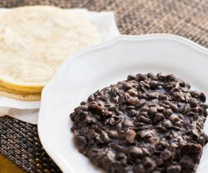 delicious refried black beans. Perfect as a side or even as breakfast with warmed corn tortillas.