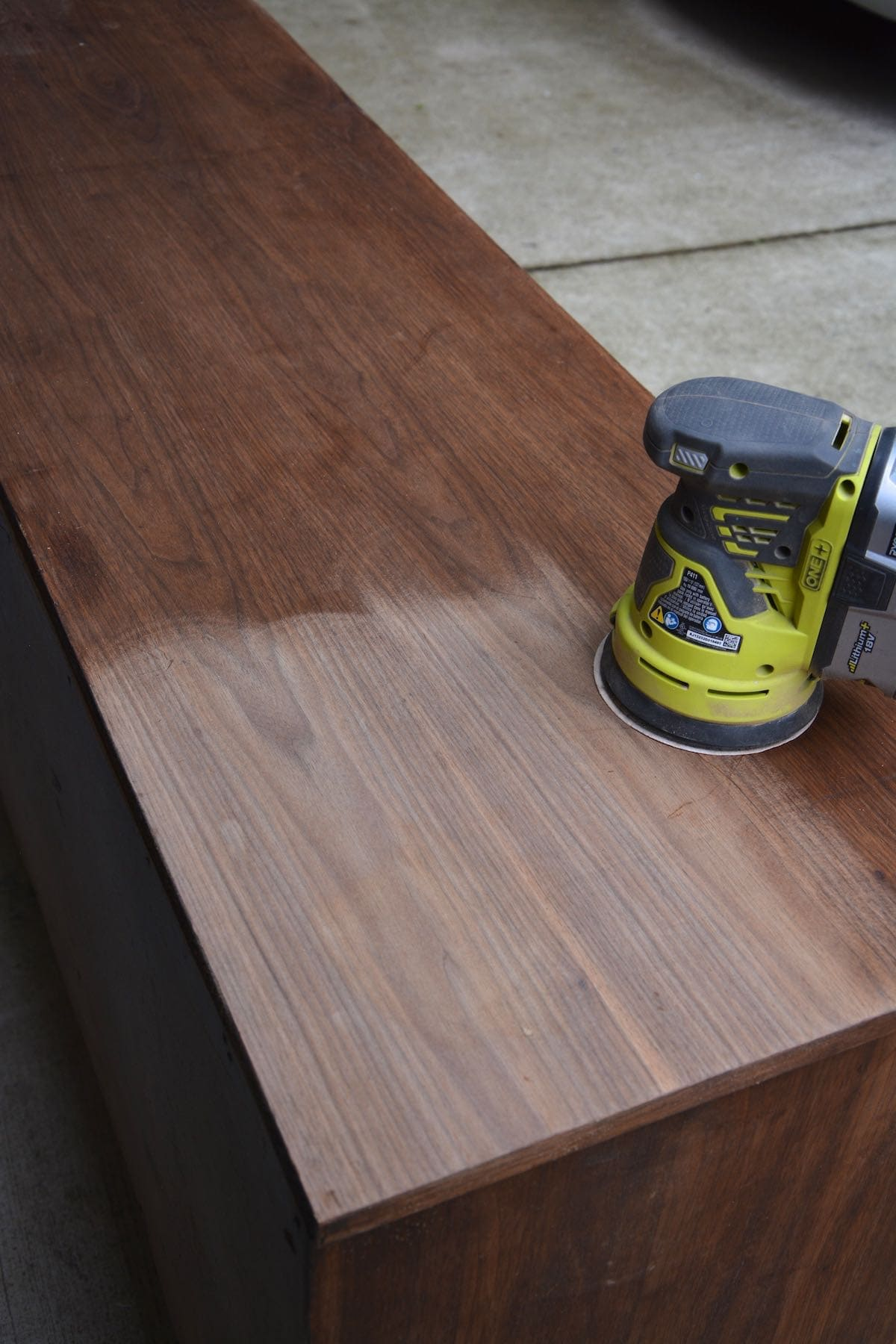 How Long Does Varnish Take To Dry On Wood