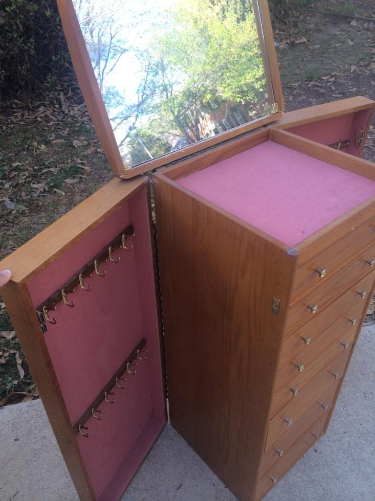 Stand Alone Jewelry Box : stand, alone, jewelry, Organized:, Repurpose, Jewelry, Craft, Organizer, Thrift, Diving