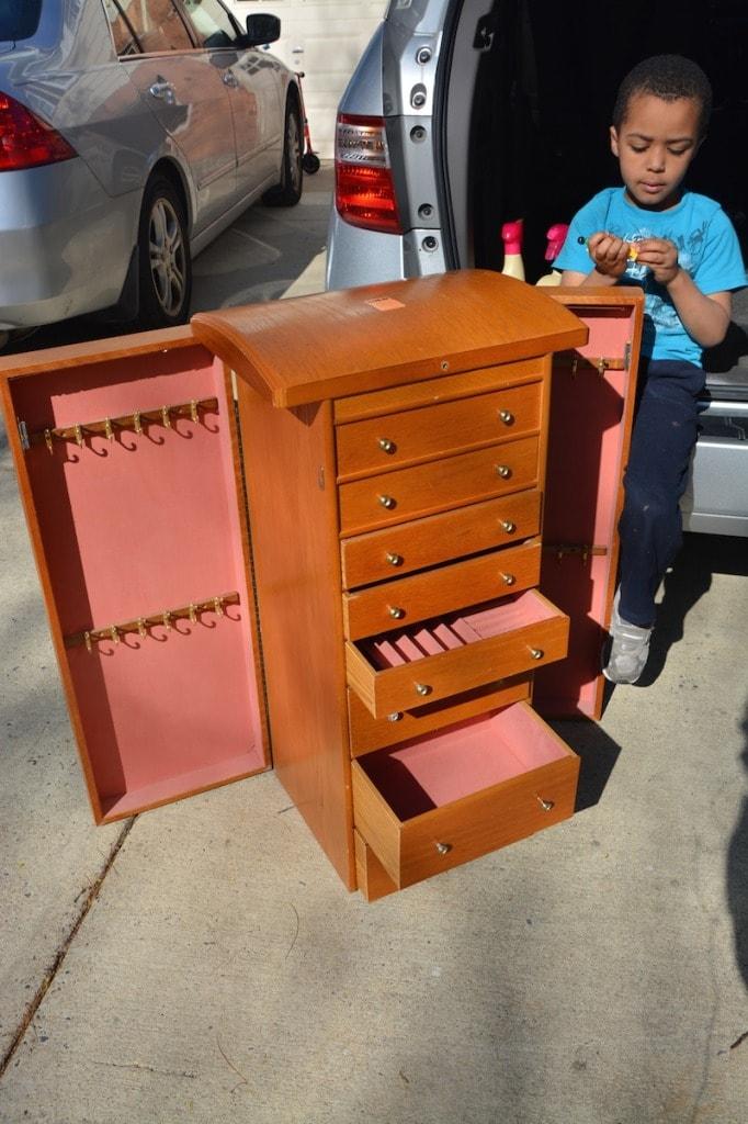 Get Organized Turn an Old Jewelry Box into a DIY Craft