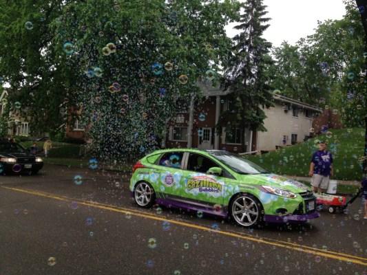 Gazillion Bubble Car with Kids II