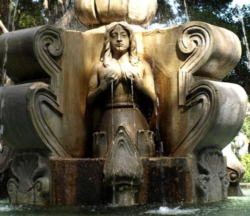 Fountain in Parque Central Antigua, Guatemala