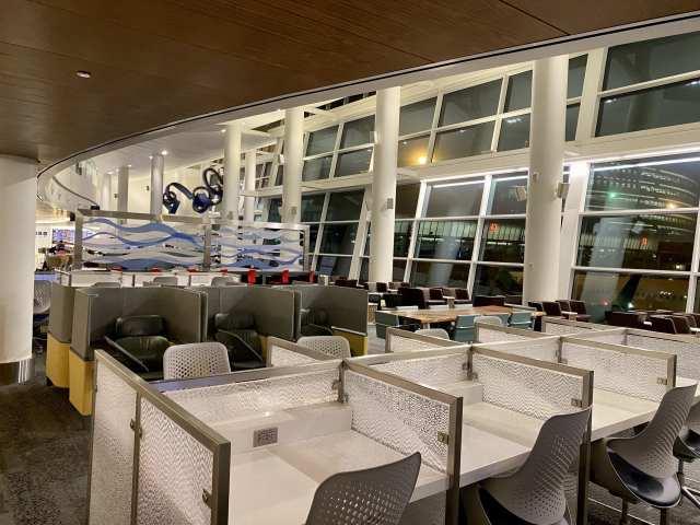 delta sky club seattle workstations