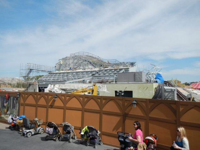 Here is a wider view of the entire construction site