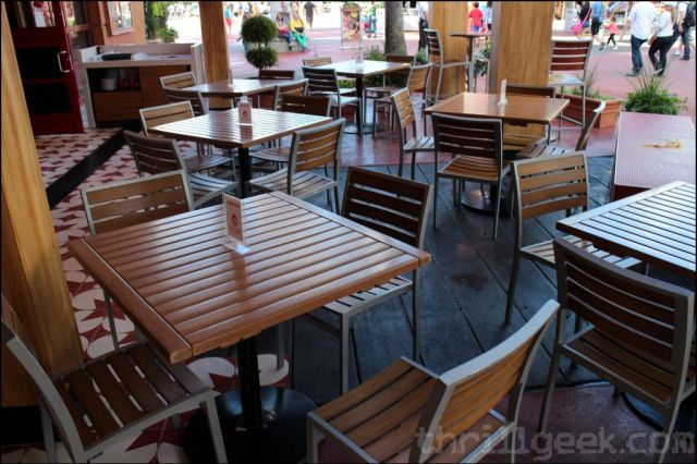 Outdoor seating once your pizza is ordered