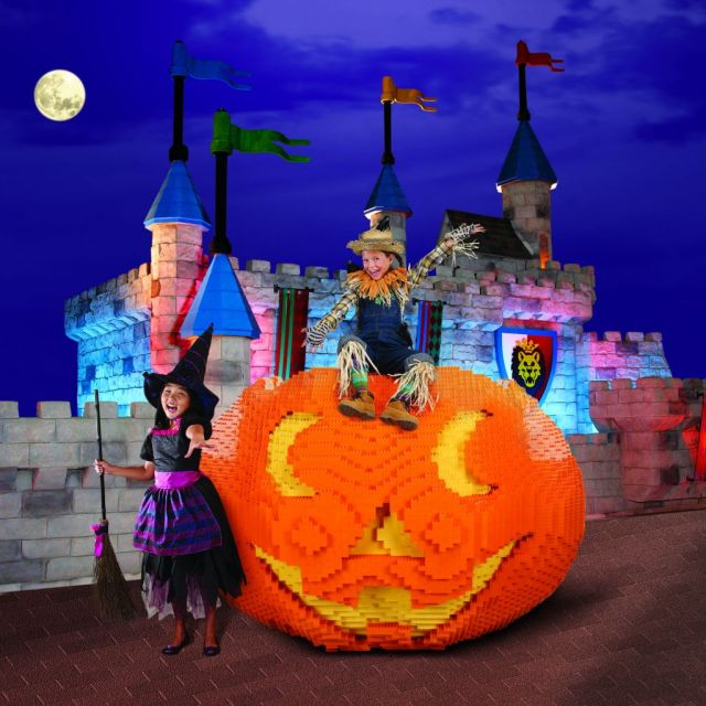 BOT-Pumkin-Castle-Witch-Scarecrow
