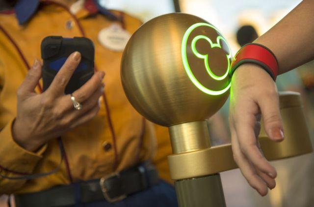 Disney-MagicBand
