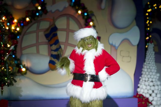 PHOTOS: Universal Orlando Resort kicks off their Holiday Celebration featuring Macy's Parade and Grinchmas 1