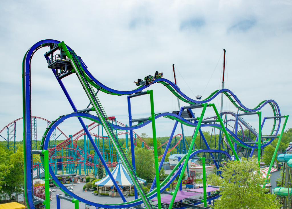 THE JOKER 4D Free Fly Coaster at Six Flags New England