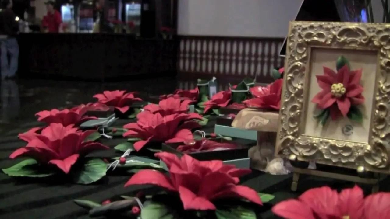 A Glimpse of Christmas Town | Busch Gardens Williamsburg, VA