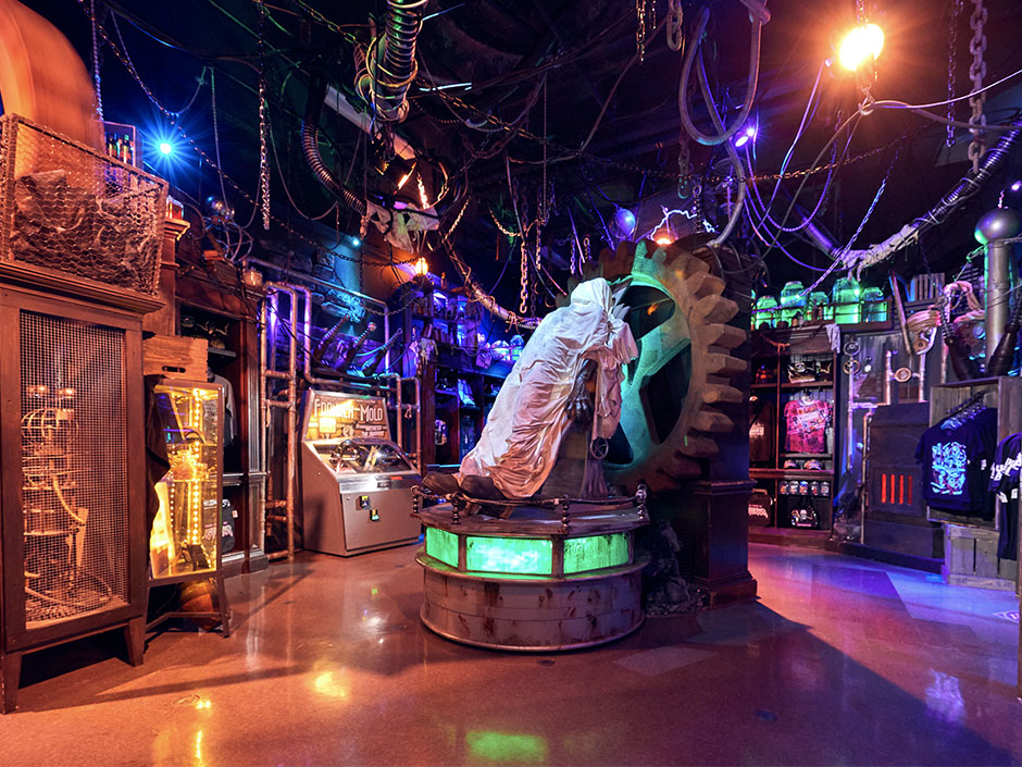 Halloween Horror Nights Tribute Store - Frankenstein Lab