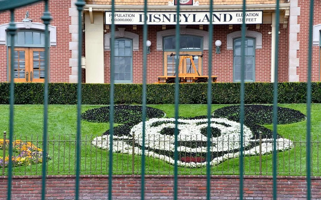 Disneyland demands Newsom reopen California theme parks now