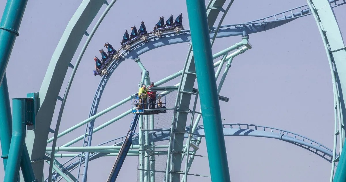 Attendance at SeaWorld parks plunges more than 80 percent because of COVID restrictions