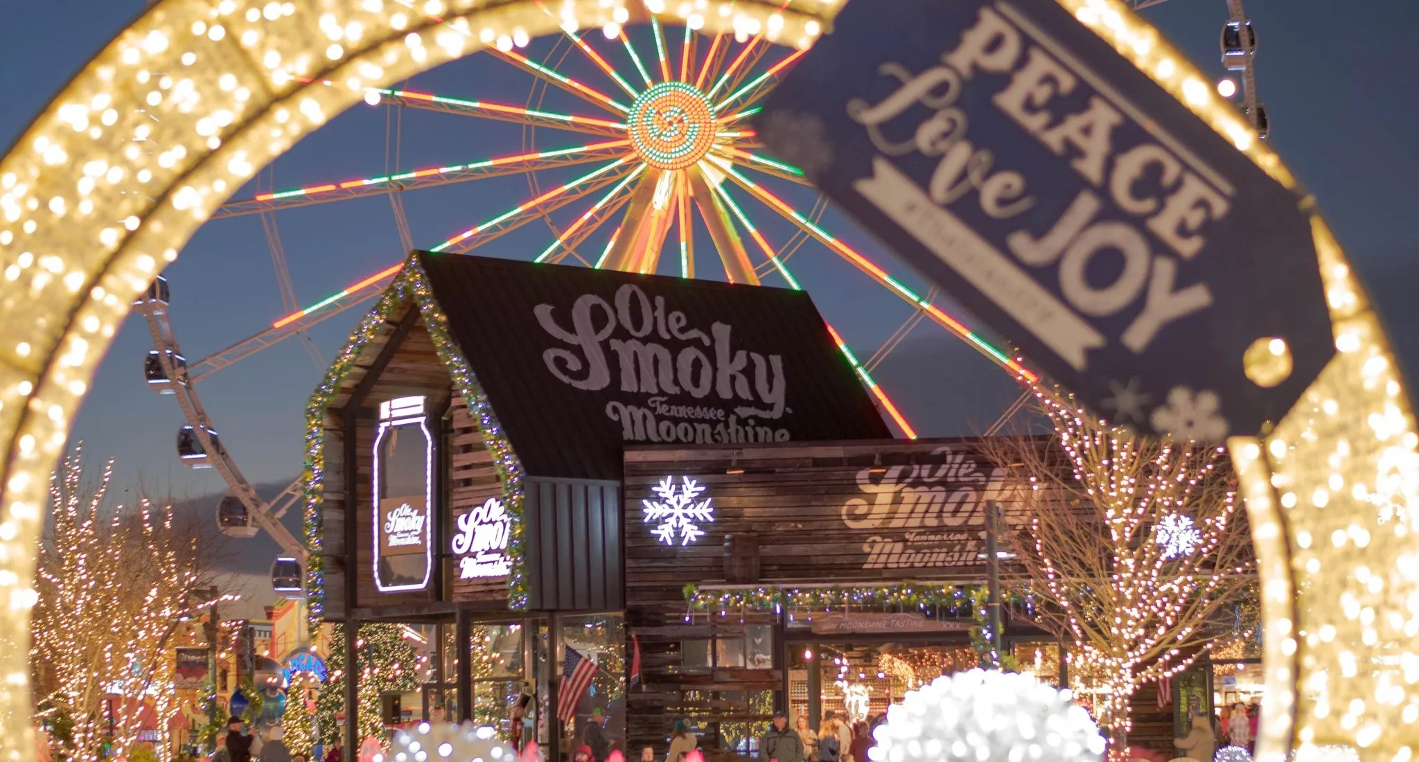 Dollywood's Smoky Mountain Christmas Is Ready For The Holidays