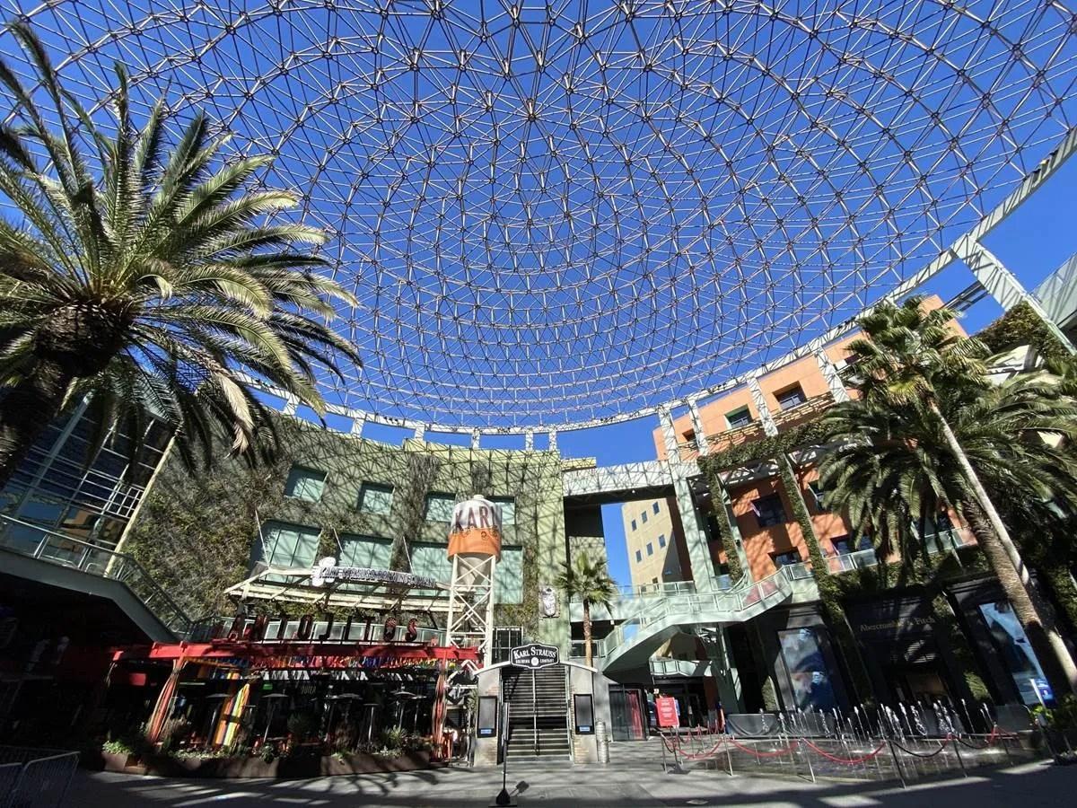 Photo / Video Update: Universal CityWalk Hollywood – 1/14/2021