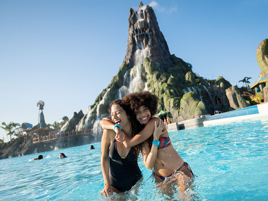 10 Things You HAVE To Do at Universal's Volcano Bay