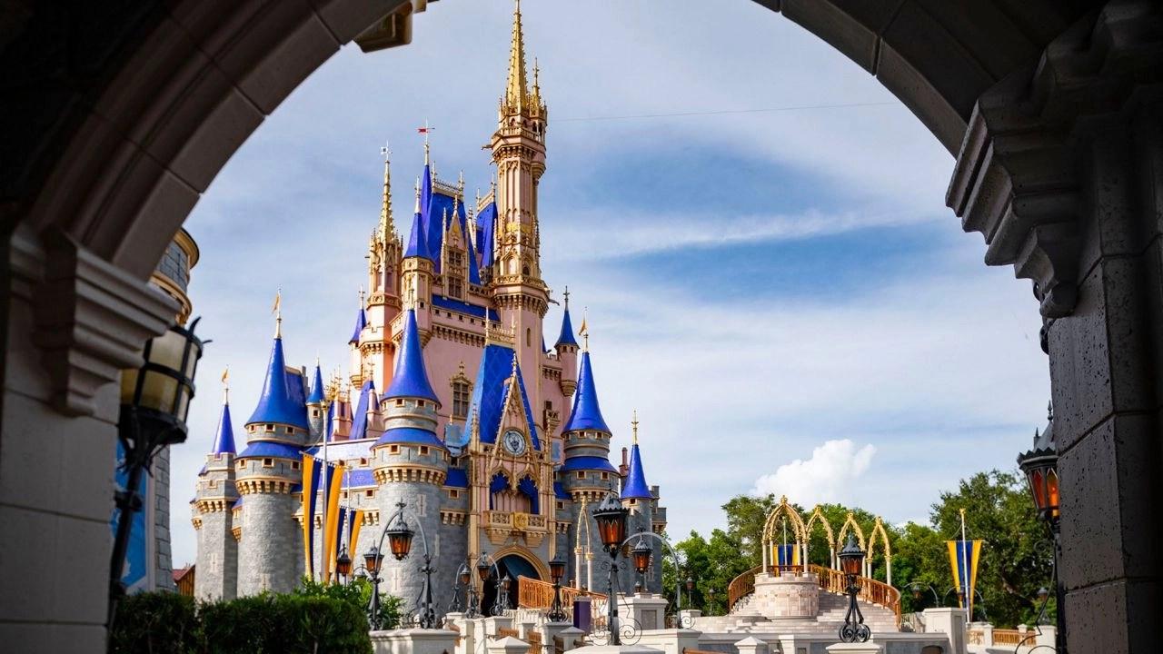 Disney World keeps COVID-19 rules despite DeSantis' order