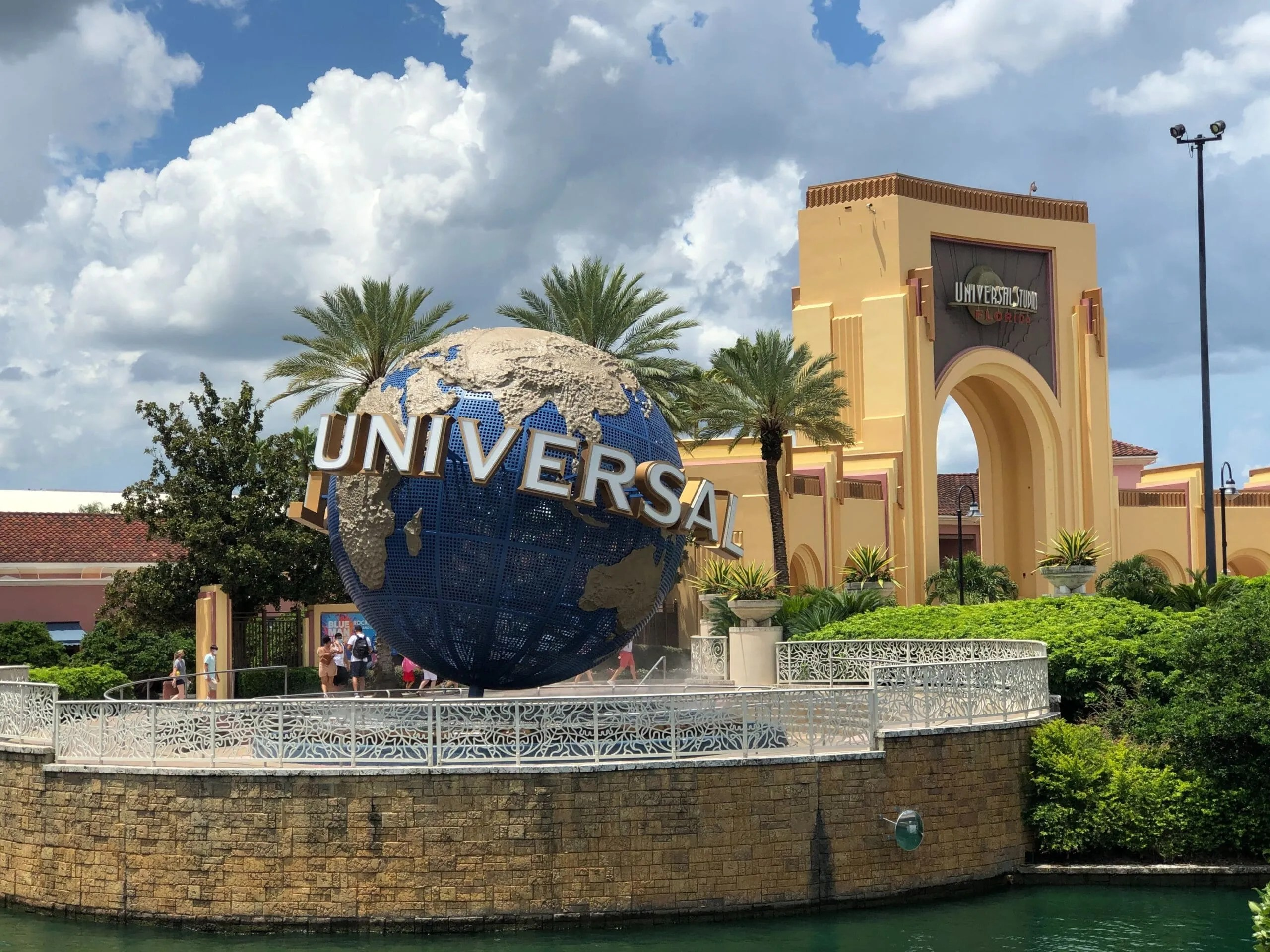 Universal Orlando Resort Halts Sales of Dining Plan