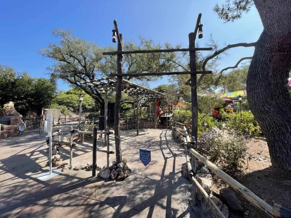Lightning Lane Is Coming: Disney FASTPASS Kiosk Removal Continues!