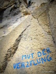 Mut der Verzweiflung (8+/9-), Groβe Wand - Ettringer Lay, Ettringen, Deutschland