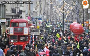 christmas-crowds-thrive-with-ian