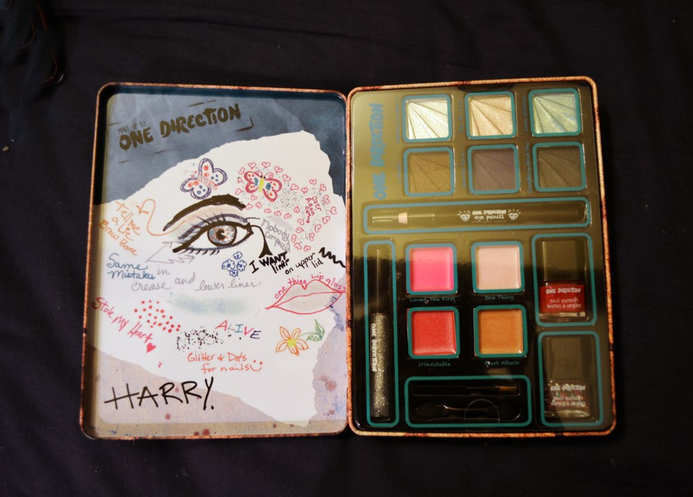 medium resolution of here s the interior of harry s box zayn s had already been swatched to death