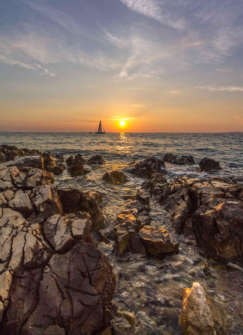 Sun & Rocks