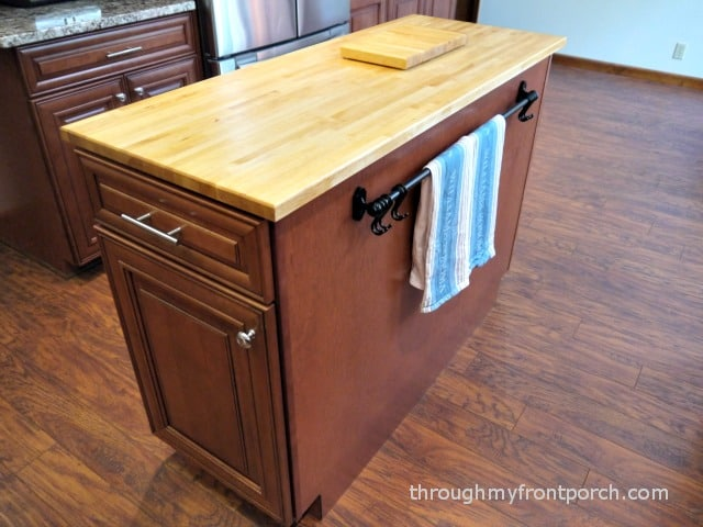 kitchen reveal island