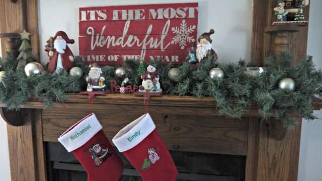My Best Christmas Mantel Yet