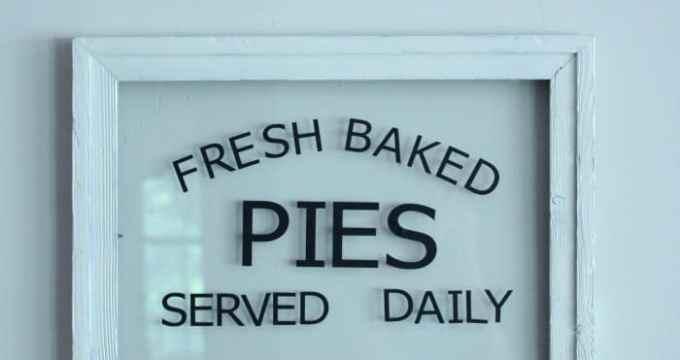 Cricut Explore Fresh Baked Pies Sign