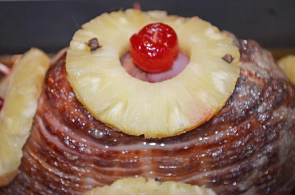Glazed Sliced Ham by 3GLOL.net