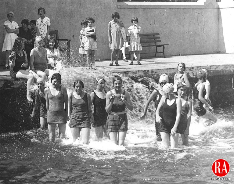 TBT_Swimming1932_BLOG