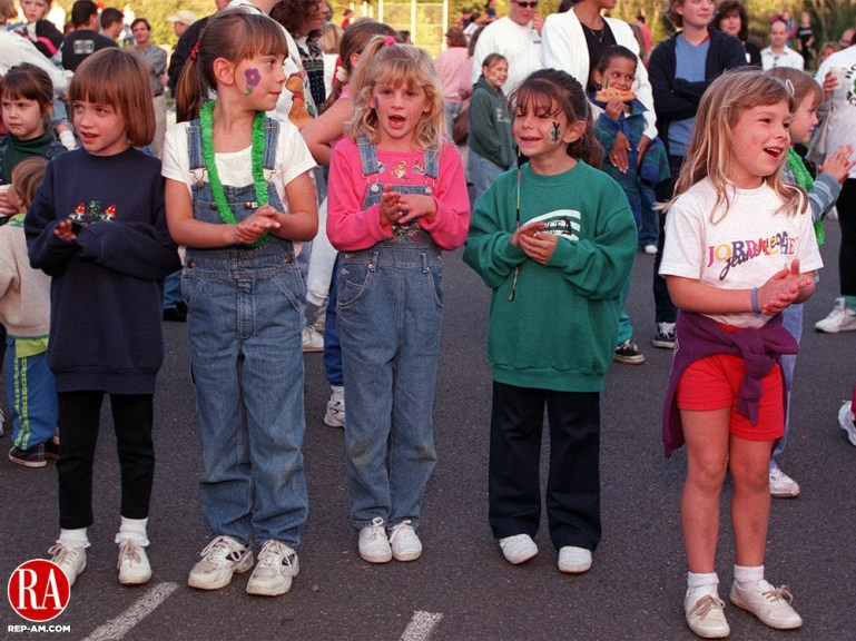 "SOUTHBURY, CT.--9/9/98-0909MA04.tif--Children get into the beat of the music outside the Pomperaug Elementary School Tuesday evening during a ""Welcome Back Night."" where children brought their parents and enjoyed food, music and fun .MICHAEL ASARO staff photo"