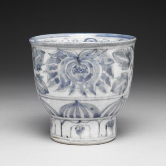 Blue and White Porcelain Tea Bowl with Indian Lotus (contemporary Japanese porcelain)