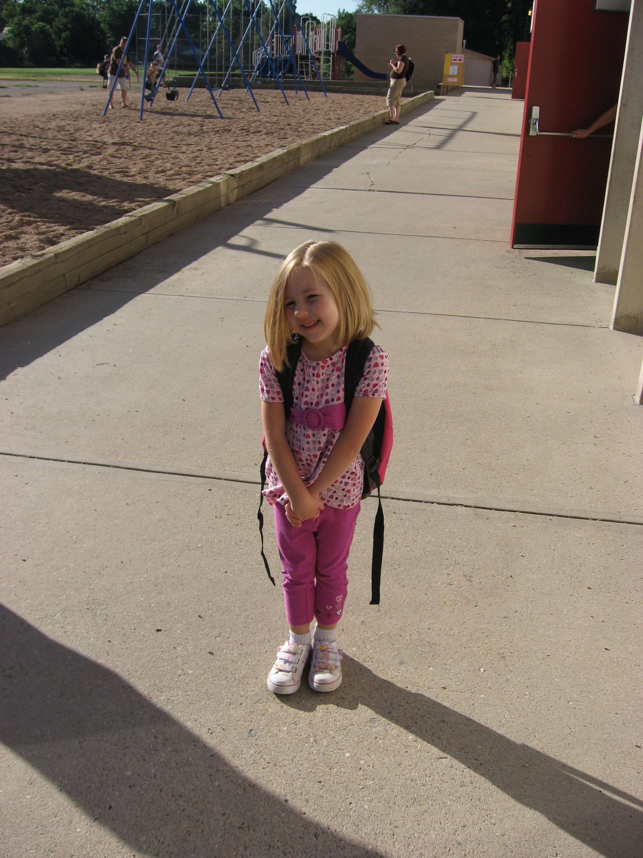 L's first day of Kindergarten. *sniff sniff*