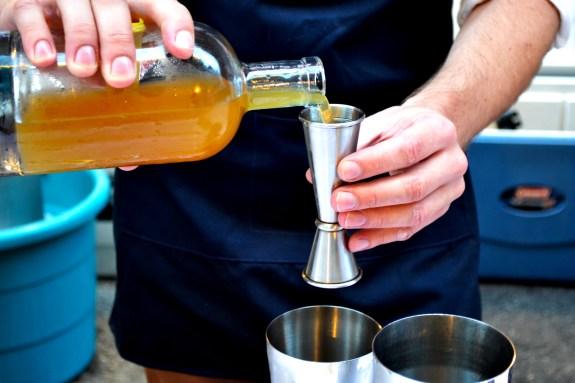 Pour (1)