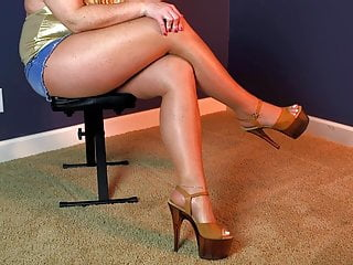 Lover in pantyhose having enjoyable