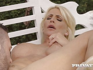 Personal.com – Massive Titty Milf Tiffany Rousso Pounded Outdoors!