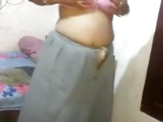 Indian Bhabhi display her bobs share is frand