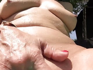 Granny masturbate in swimming pool