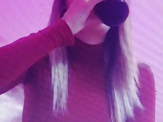 Magnificent blonde on cam